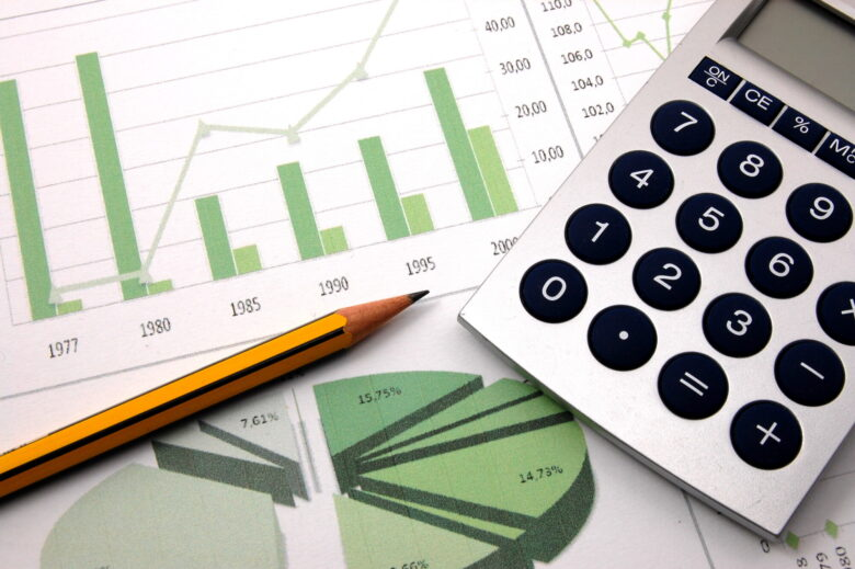 Are you looking for ways to improve your personal finances? Check out these 5 important financial management tips to get started saving.