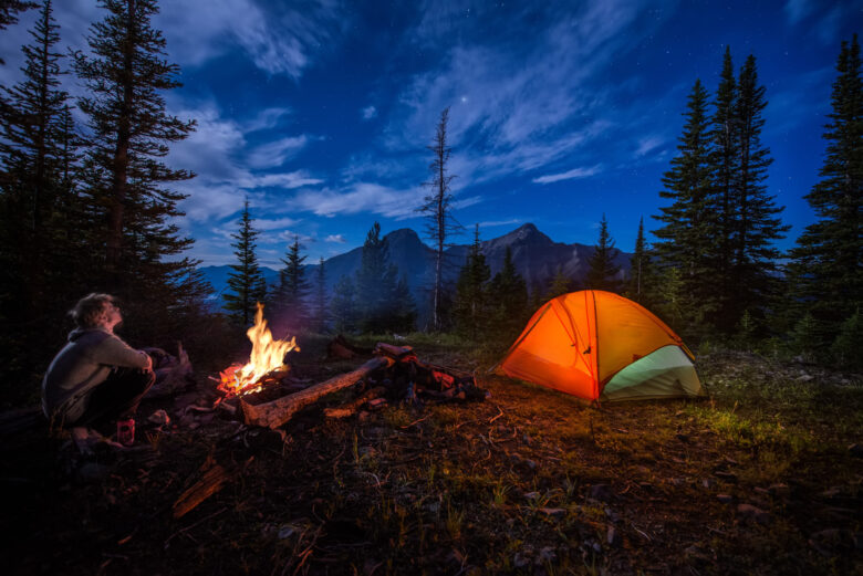 Are you headed out for a camping trip? It's important you're prepared. Read on to learn what camping tools you should always have on hand.