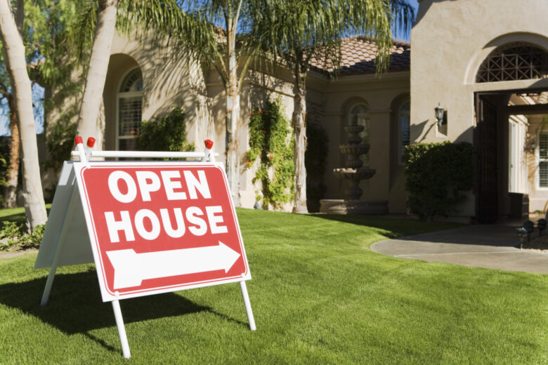 Hosting your very first open house can be intimidating. That's why we've prepared a handy open house checklist so your house will sell in no time!