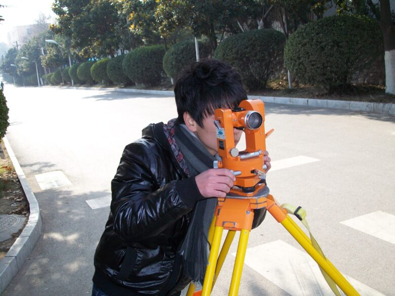 How does land surveying work? What does a land surveyor look for? Click here to learn everything you need to know about land surveying here.