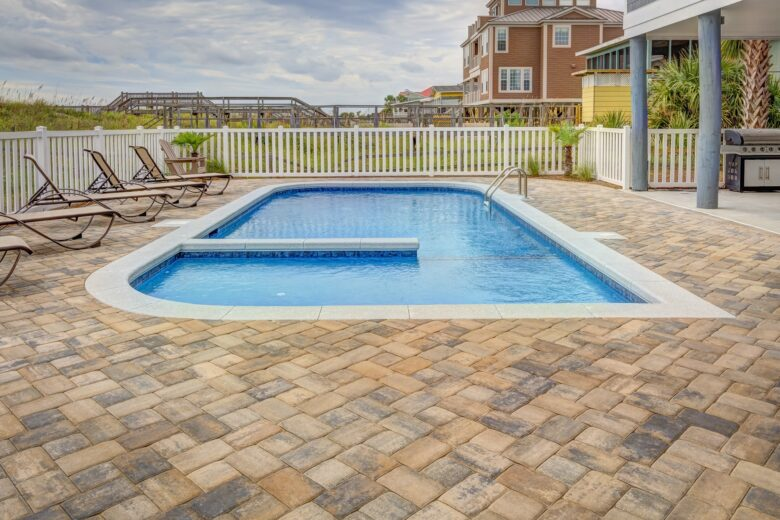 Are you struggling to come up with creative backyard pool design ideas? Keep reading and check out these great 5 pool design ideas here.